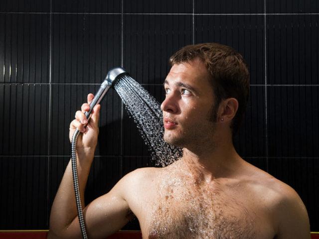 Красные пятна на головке члена у мужчины: причины и лечение