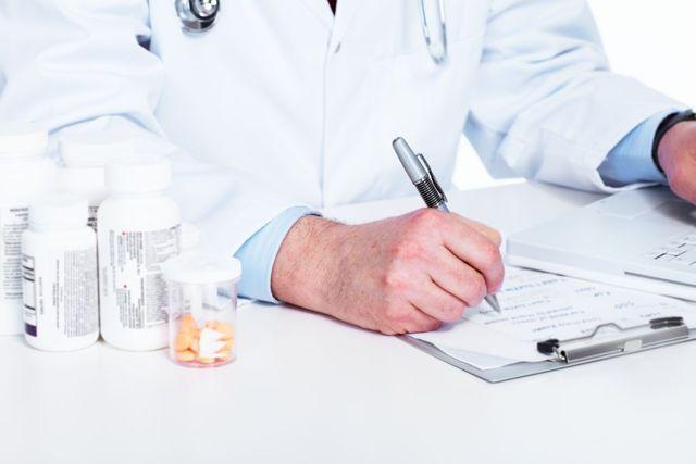Боль в яичках у мужчин – опасные симптомы, причины и лечение