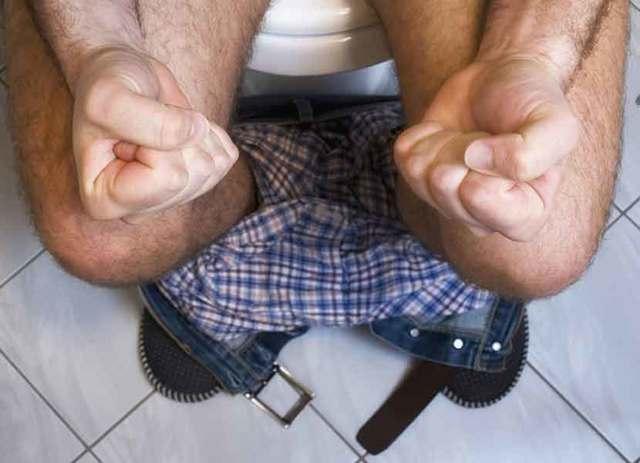 Как и чем лечить геморрой у мужчин: лечение в домашних условиях