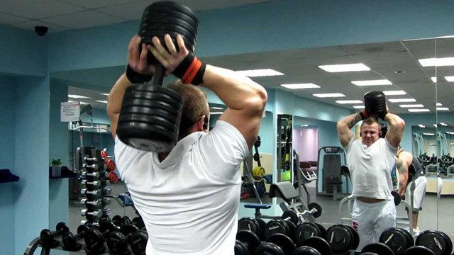 Упражнения с гантелями в домашних условиях и программа тренировок