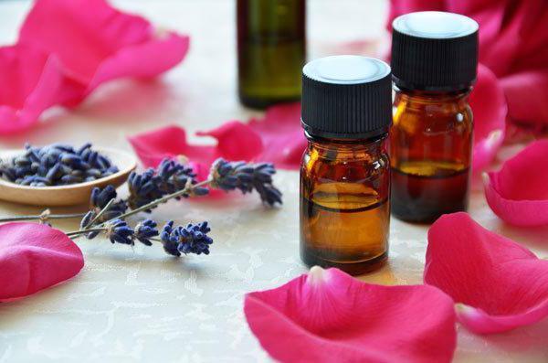 Как бороться с перхотью: действенная традиционная и домашняя терапия