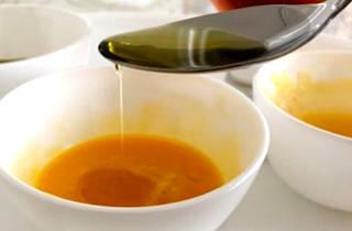 Кунжутное масло для волос: польза и свойства