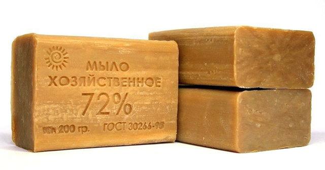 Средство от перхоти: эфирные масла, мази и хозяйственное мыло