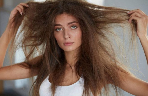 Что делать чтобы волосы не пушились: методы борьбы с проблемой в домашних условиях