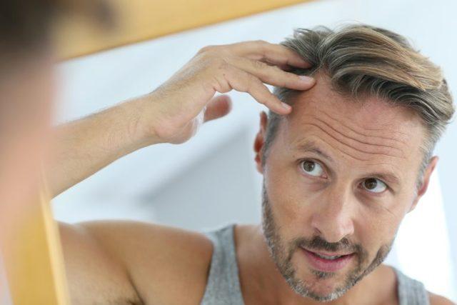 Какой врач лечит выпадение волос и кожу головы