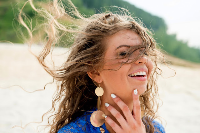 Кучерявые волосы: особенности домашнего ухода за кудрявой шевелюрой