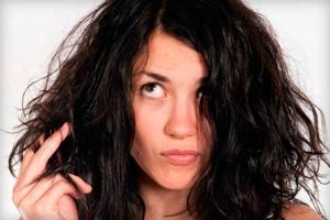 Как увлажнить волосы: профессиональные средства и действенные домашние рецепты