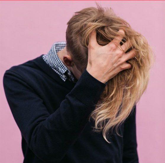 Почему чешется голова: причины возникновения проблемы и способы ее решения
