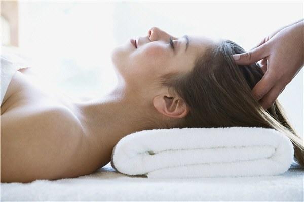 Выпадают волосы от стресса: на нервной почве