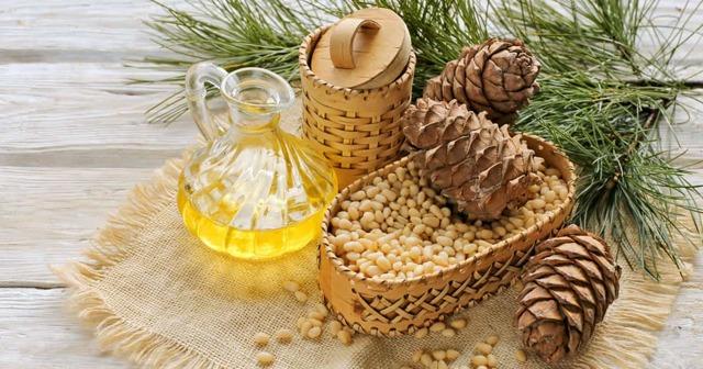 Кедровое масло для волос: эфирное масло кедра свойства в косметологии
