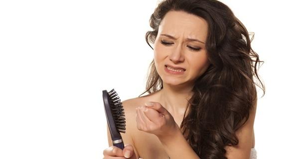 Выпадают волосы после родов: что делать,причины и лечение
