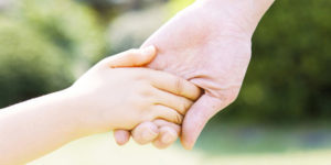 Как избавиться от перхоти в домашних условиях: народные средства от болезни