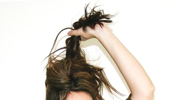 Грязные волосы: причины и уход