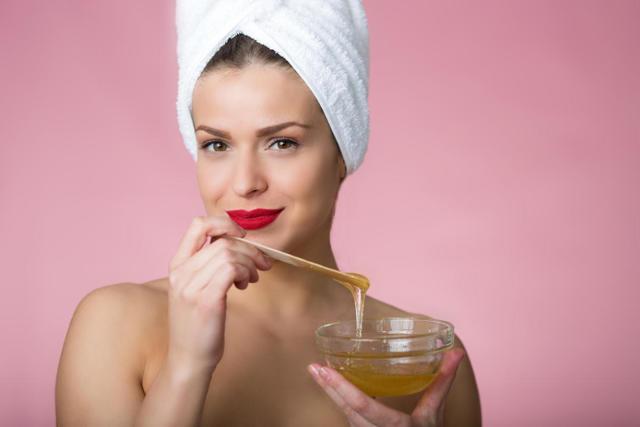 Маска для волос с медом: сладкое янтарное наслаждение для красоты и здоровья