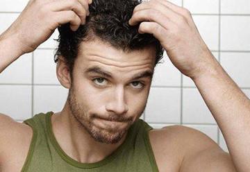 Причины выпадения волос у мужчин и их научное обоснование