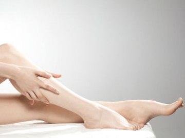 Как замедлить рост волос на ногах?